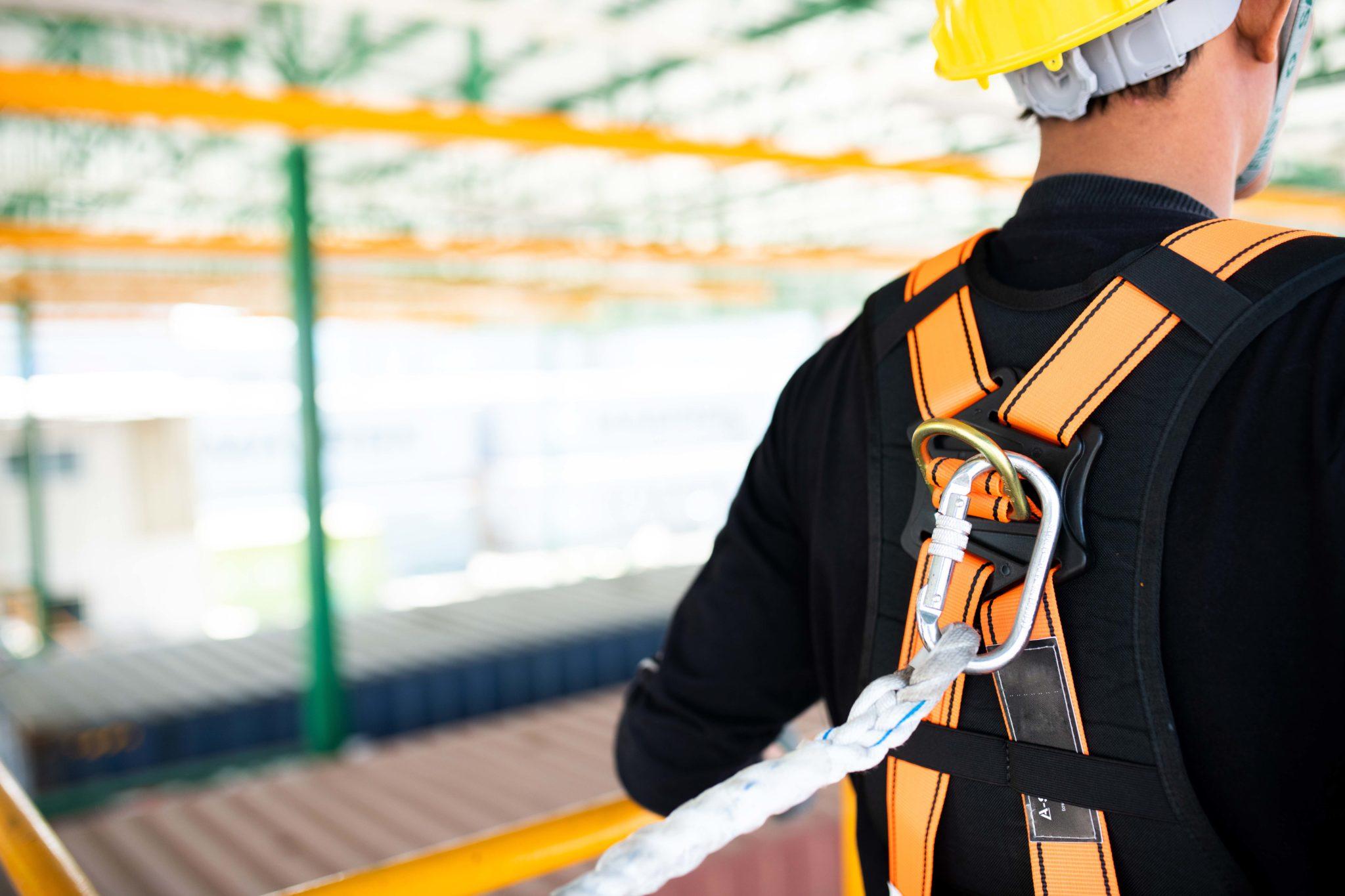 medidas de seguridad arnes obra